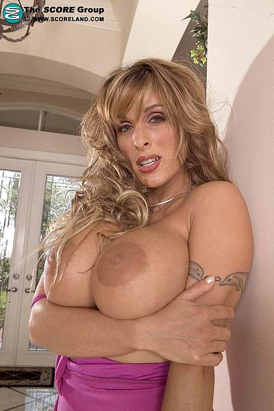 The Super Famous Milf Holly Halston